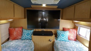 BUS BED ROOM 1